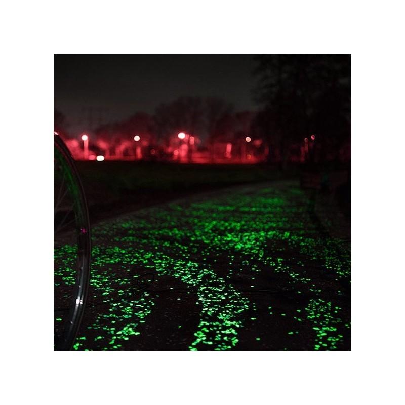 Pietricele fosforescente decorative glow albe care lumineaza verde