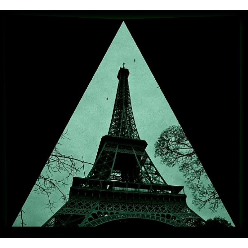 Tablou fosforescent La picioarele Turnului Eiffel
