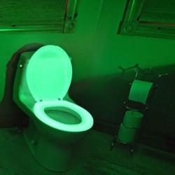 Capac de WC fosforescent, lumineaza verde in intuneric, soft close
