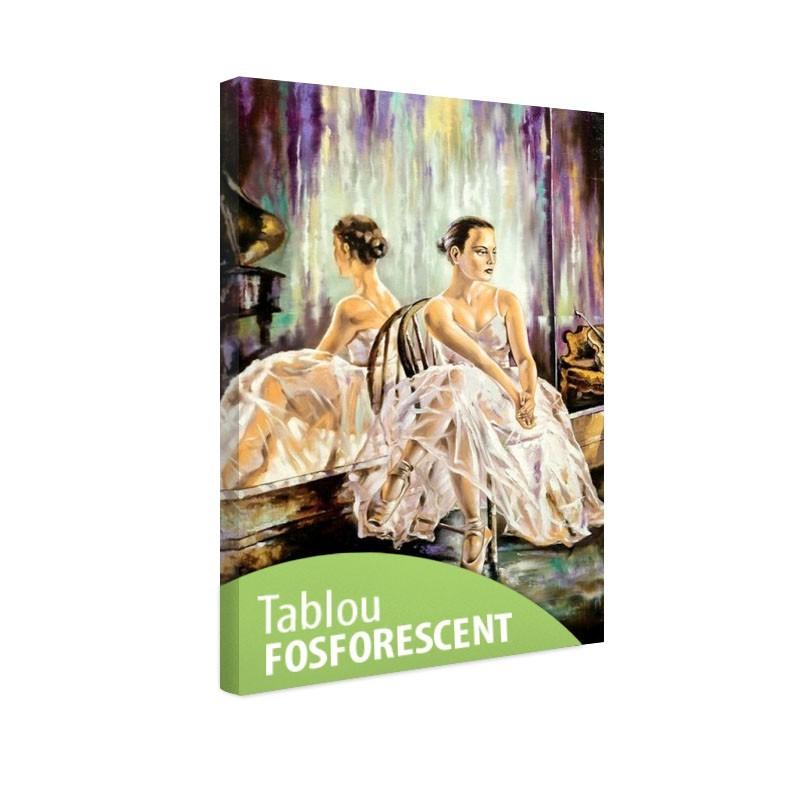 Tablou fosforescent Balerina langa oglinda