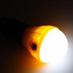 Bec LED cu baterii