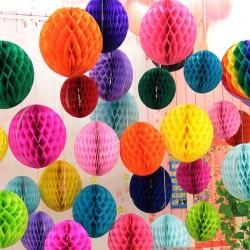 Ghirlanda colorata cu 8 sfere tip fagure, diametru 10 cm, lungime 3 m