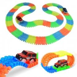 Pista flexibila pentru curse masinute, 65 piese fosforescente, LED multicolor