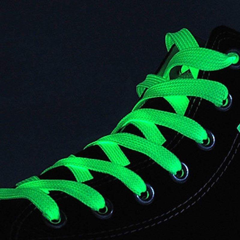 Sireturi fosforescente care lumineaza verde, lungime 100 cm, textil