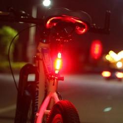 Lampa pentru bicicleta, 5 LED-uri, 4 moduri iluminare, incarcare USB, prindere ghidon