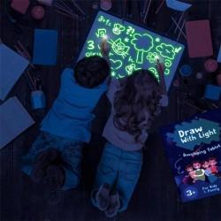 Tablita luminoasa fosforescenta, rescriptibila, marker cu lumina UV, verde