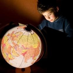 Glob geografic iluminat 32...