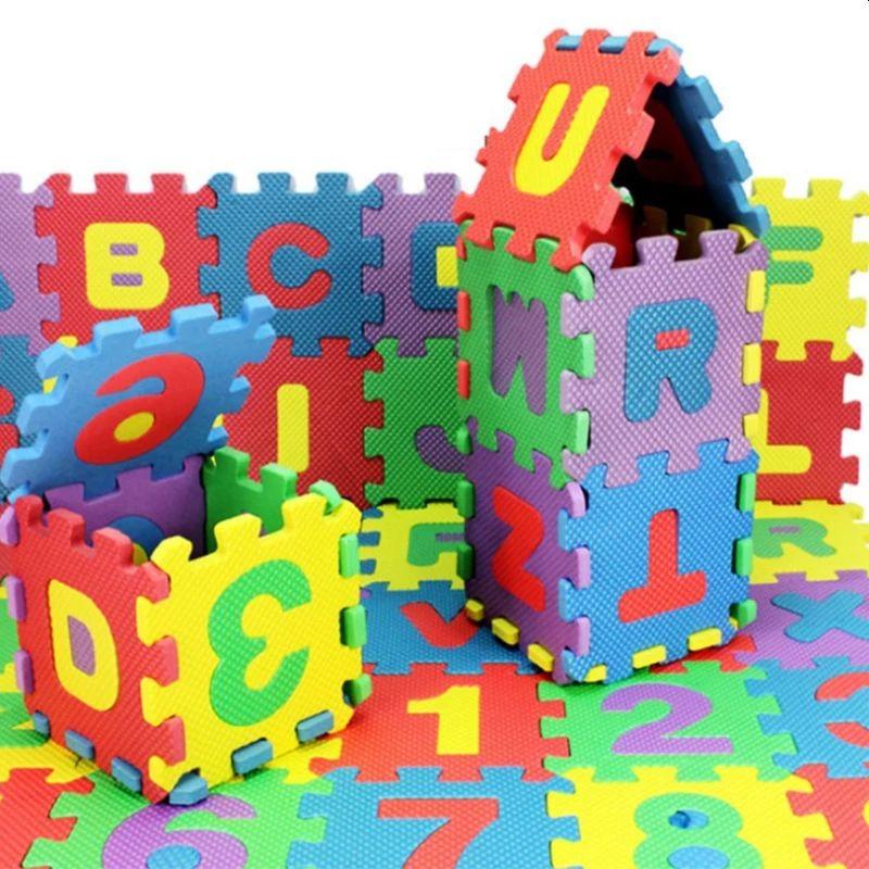 Covor tip puzzle, 36 piese din spuma moale, litere si cifre, multicolor