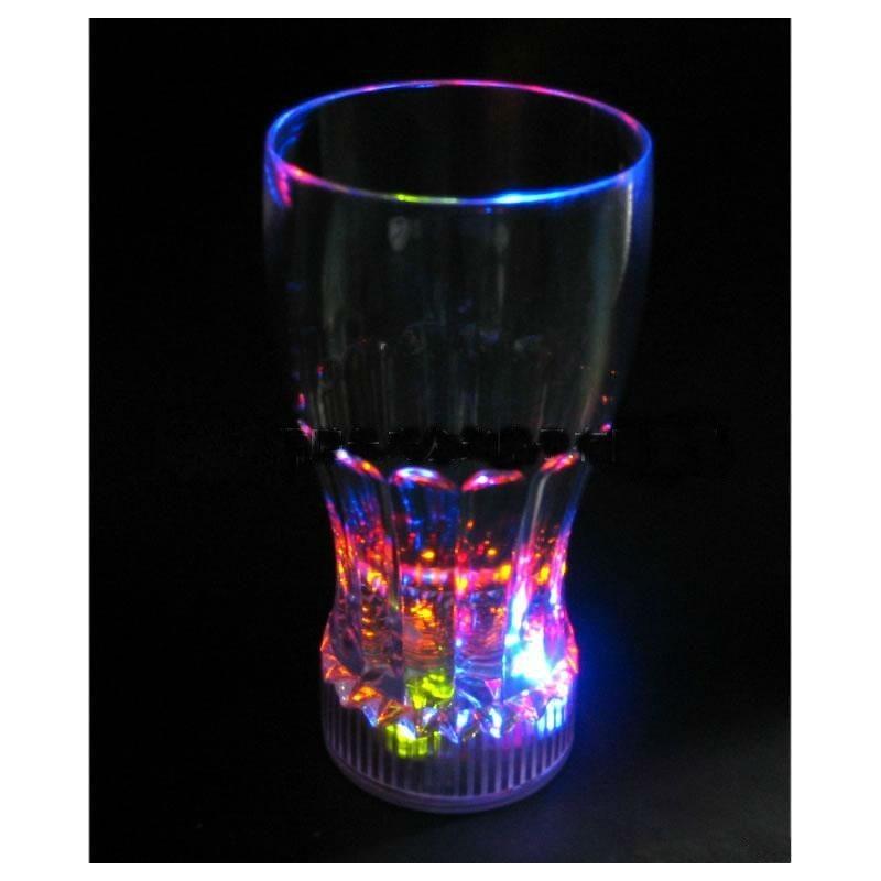 Pahar bauturi racoritoare luminos cu LED-uri