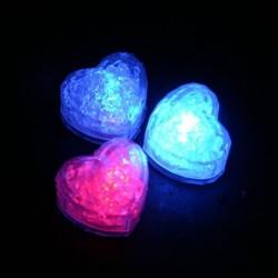 Cuburi de gheata luminoase cu LED forma inimioara